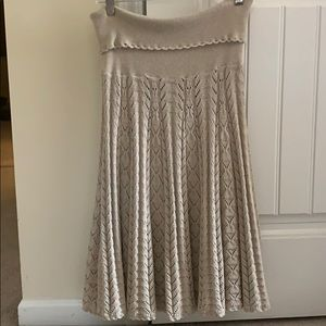 Perfect never worn stunning skirt!